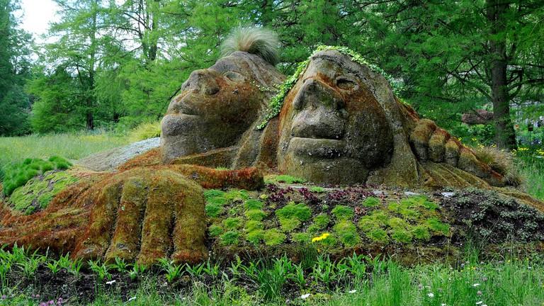 Mainau stone figures