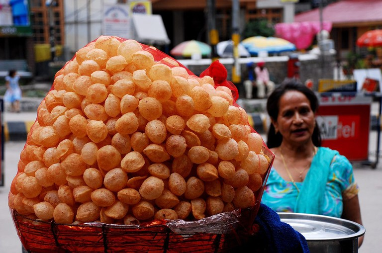 Pani puri, Indian street food | © imruge / Flickr