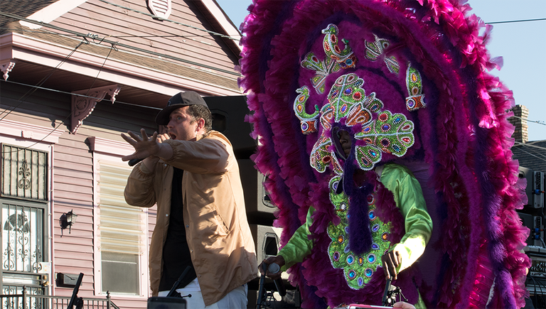 Mardi Gras Indian joins DJ/producer Pretty Lights' 7th Ward second line, New Orleans, 2017 | © Carolyn Heneghan