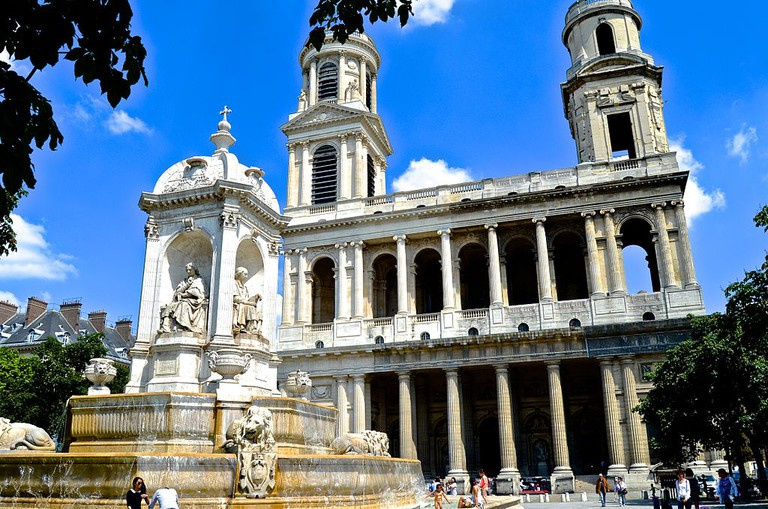 Place Saint-Sulpice │© David McSpadden / Wikimedia Commons