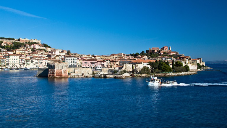 Portoferraio in blue©magnetismus:Flickr