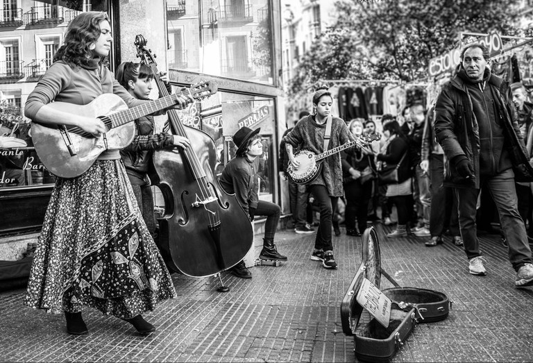 Rastro street performers