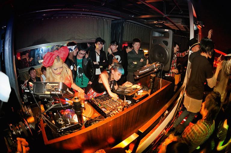 Mademoiselle Yulia & Peli DJ set