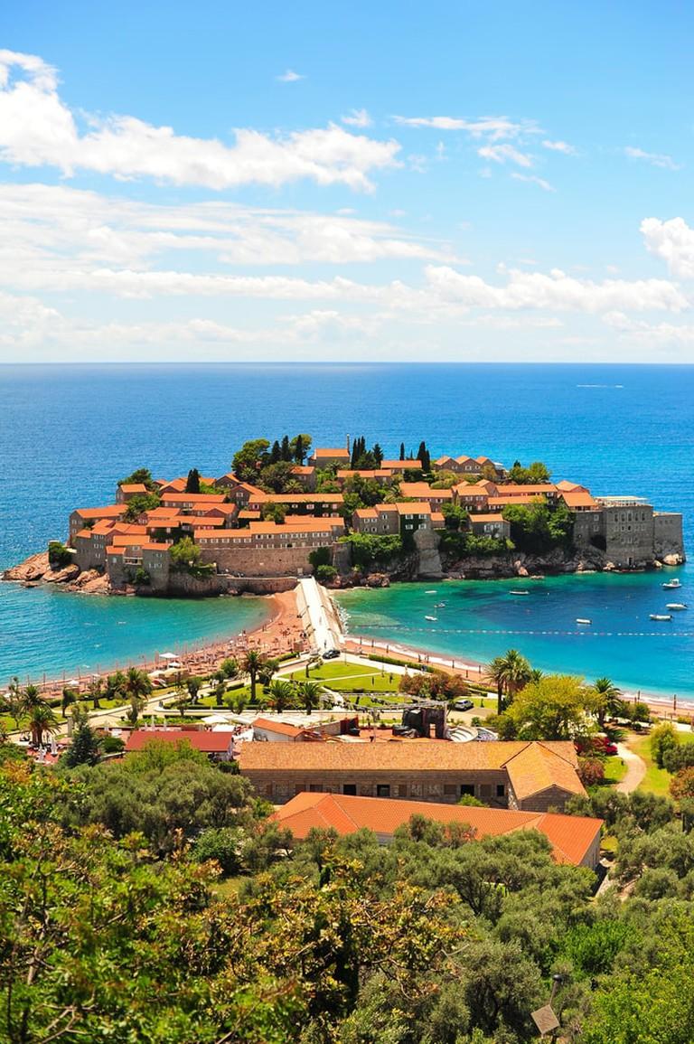 https://www.shutterstock.com/image-photo/sveti-stefan-island-adriatic-sea-montenegro-211914250?src=mif9LBnzPpqToxS5hxGfgQ-1-3