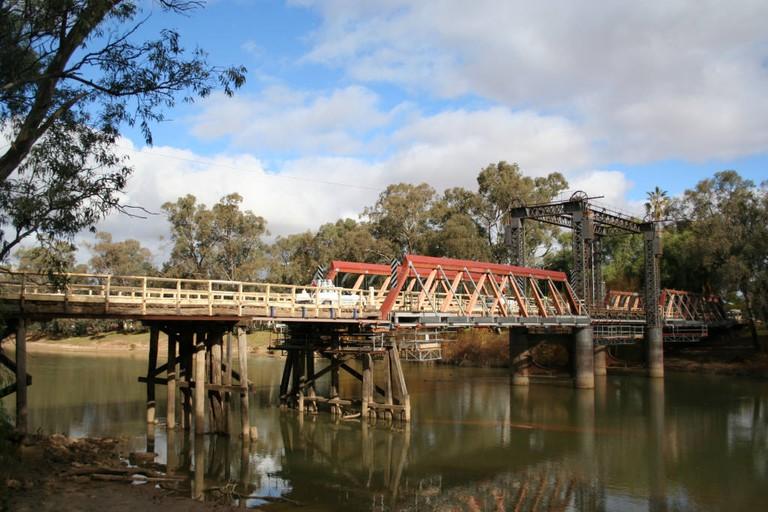 Swan hill bridge murray river