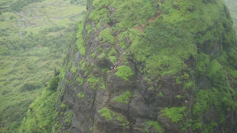 Zigzag Steps to Kalavantin Durg