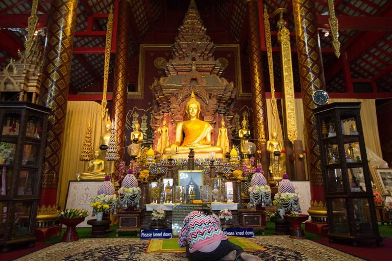 Inside Wat Chang Man