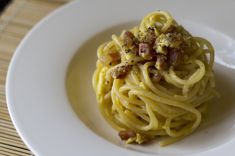 Authentic Carbonara is made with eggs and cheese, not cream | © Luca Nebuloni/Flickr