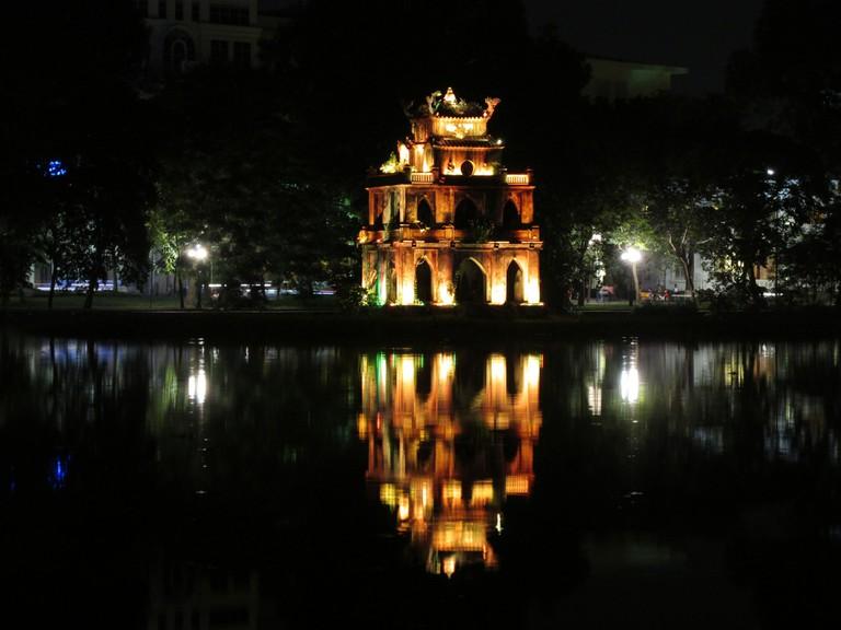Hoan Kiem Pagoda, Hanoi   © Garycycles/Flickr