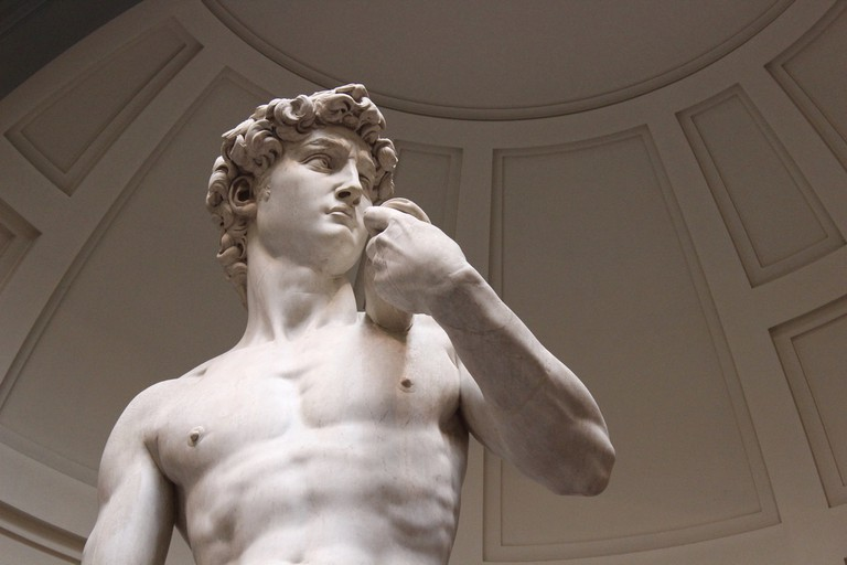 Michelangelo's David standing proud in the Galleria dell'Accademia | © Daniel Huizinga/Flickr