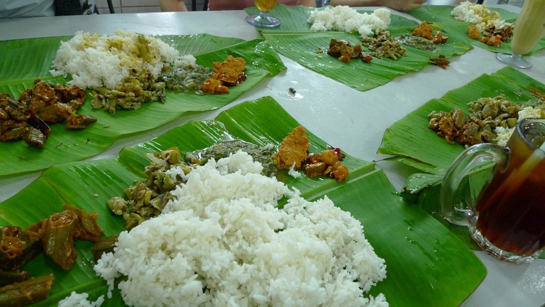 Banana Leaf Curry is best eaten with your hands! ©John Walker / Flickr