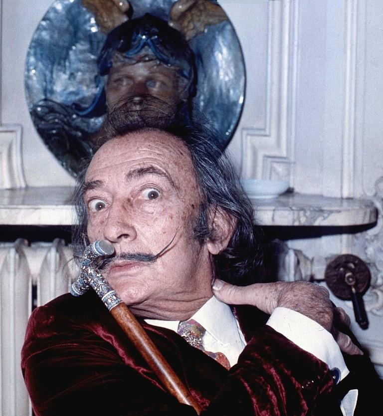 Portrait of Salvador Dali, taken in Hôtel Meurice, Paris | Photo by Allan Warren. Source: WikiCommons