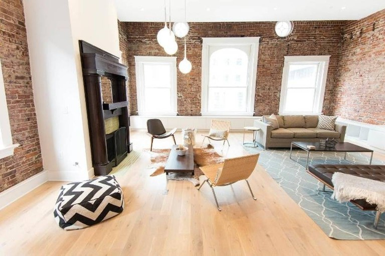 The Cohen Loft / (c) April / Airbnb