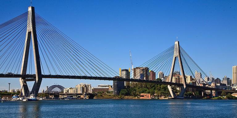 Anzac Bridge | © Richard Taylor _ Wikimedia Commons