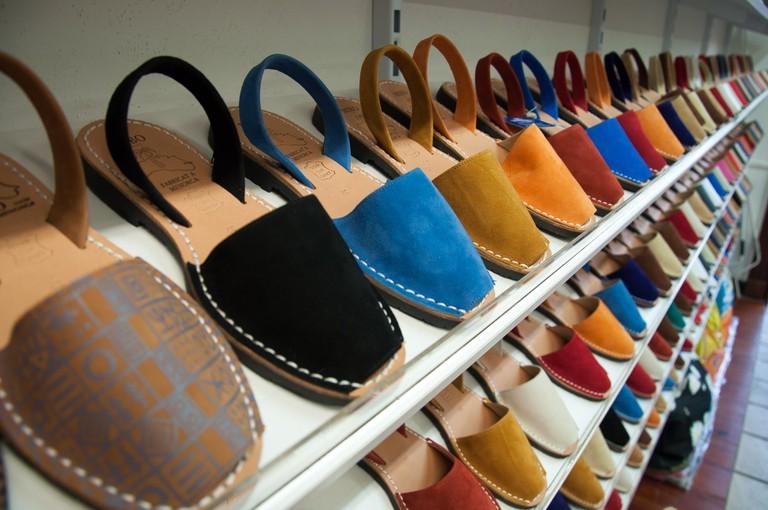 Menorcan Sandals | © Zeroseguidores/ Wikimedia Commons