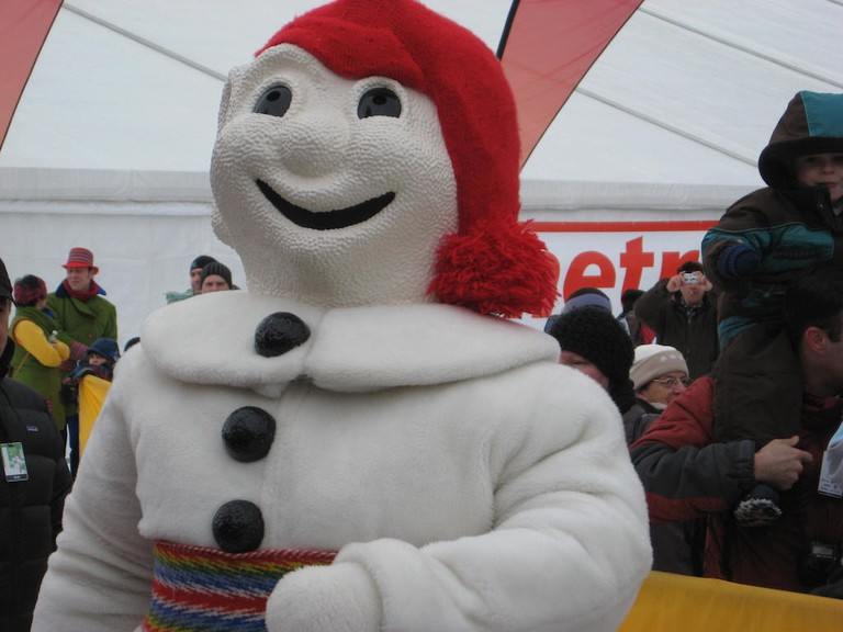 https://en.wikipedia.org/wiki/Quebec_Winter_Carnival#/media/File:Carnaval_Qu%C3%A9bec_2011.jpg