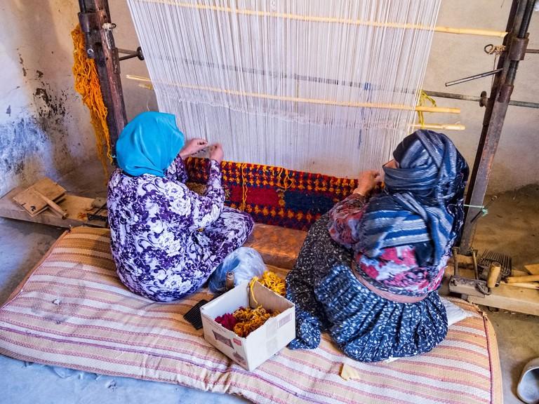 Carpet weaving in Morocco
