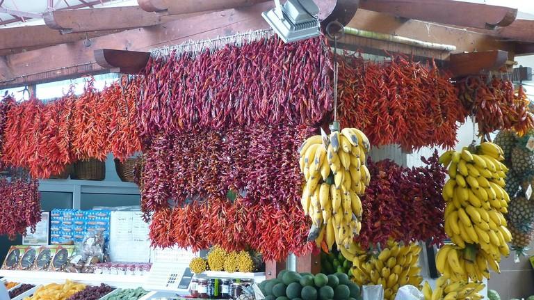 https://pixabay.com/es/madeira-funchal-mercado-pepperoni-244416/