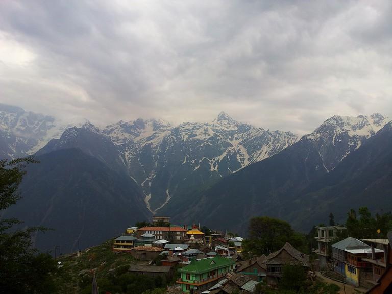 Narkanda is a ski-resort town located in Shimla district