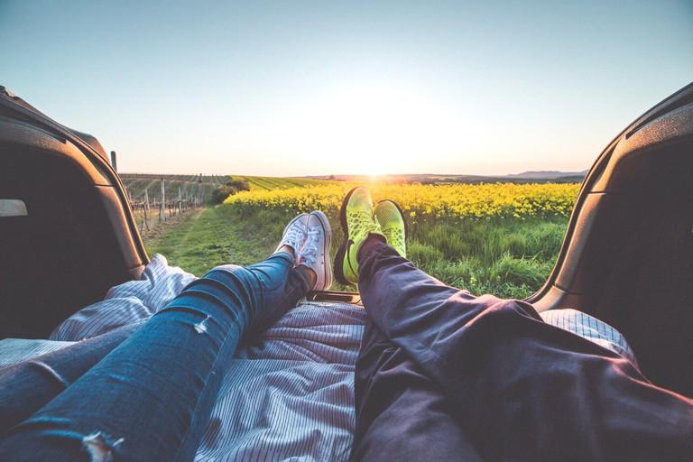 Couple Outdoors | © Pexels