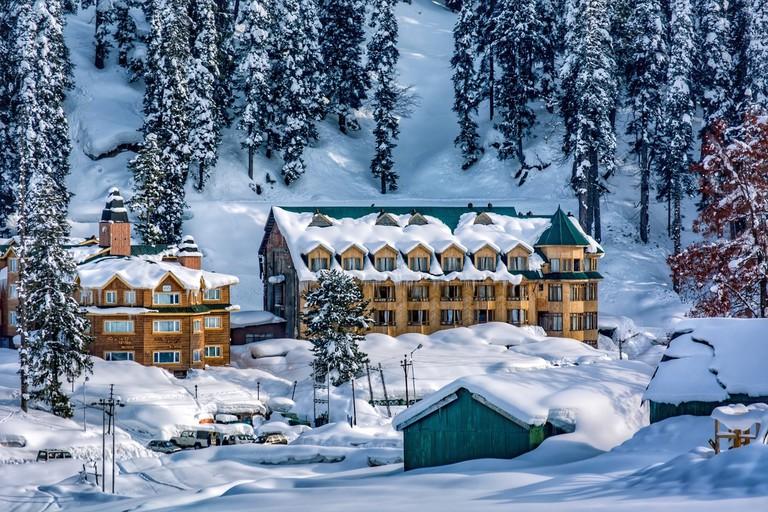 Gulmarg Ski Resort in Himalayan Kashmir | confused_me / Pixabay