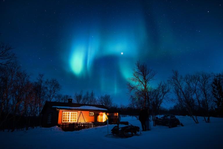 Watching the Northern Lights /  Stefan Stefancik / Pexels