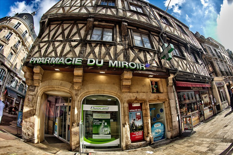 The corner pharmacy in Dijon │