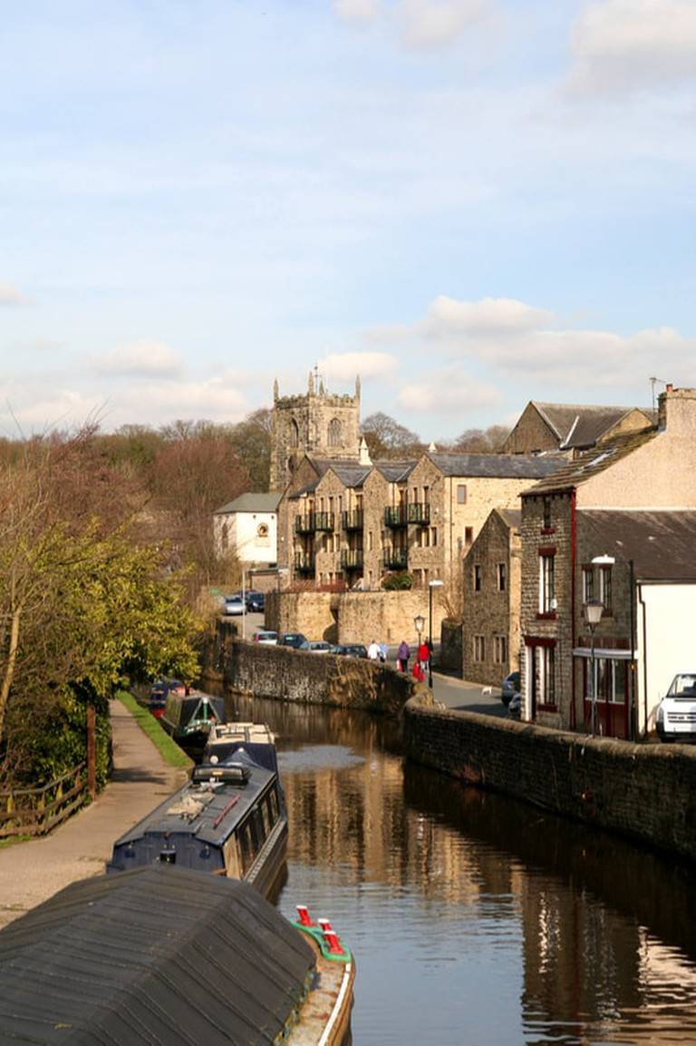 Leeds Liverpool canal at Skipton in Yorkshire | © george green/Shutterstock
