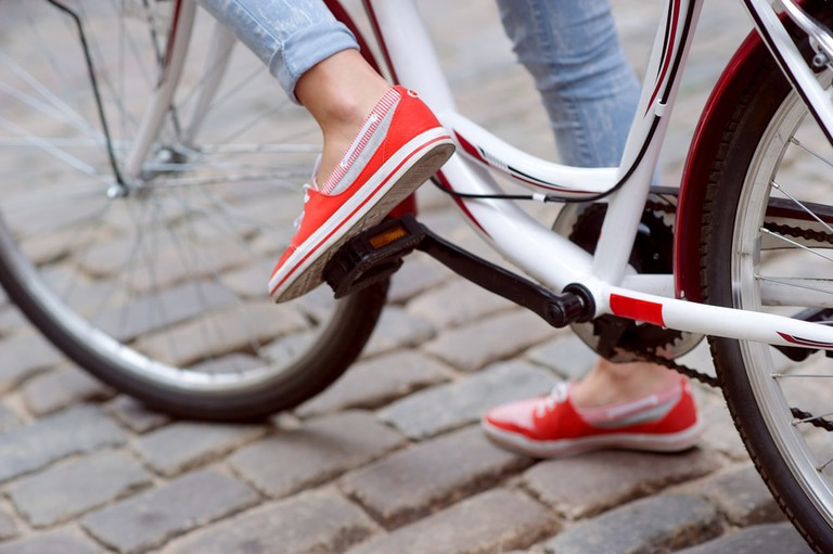 Comfy shoes for cycling in the city