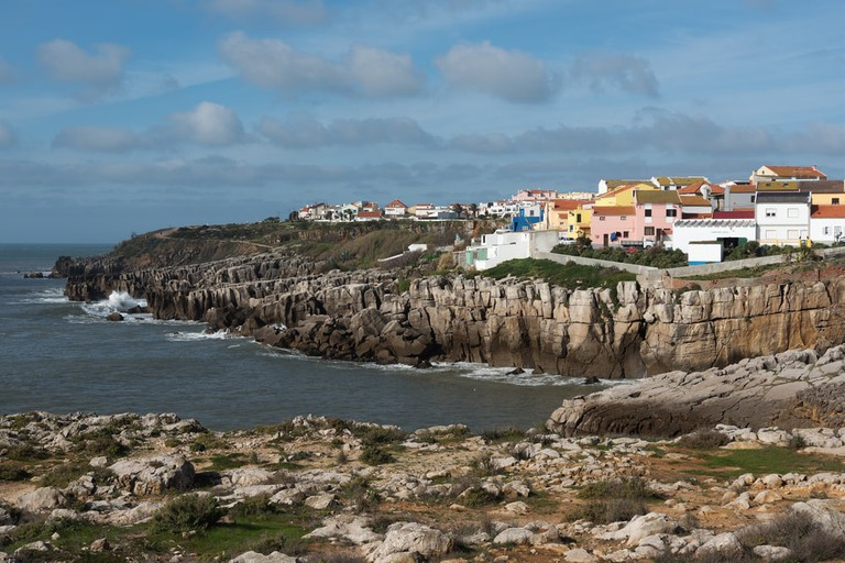 Colourful houses line the Peniche coast | © Janis Smits/Shutterstock