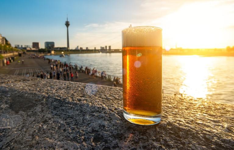 Cold fresh Dusseldorfer old beer (Altbier) | © r.classen/Shutterstock