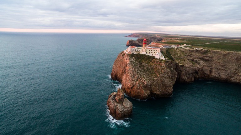 The iconic lighthouse at Cape St. Vincent, Portugal | © Vitaly Fedotov/Shutterstock