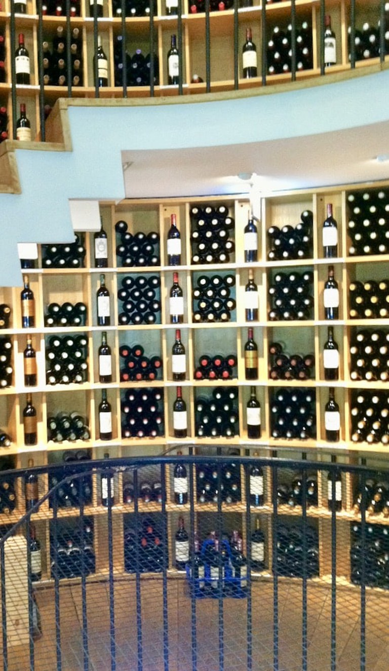 Inside l'Intendant wine shop|