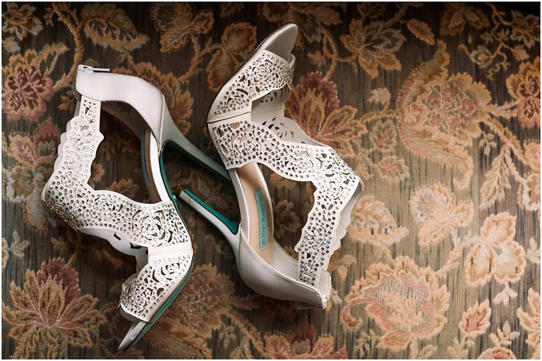 Wedding Shoes | © Hannah Leigh