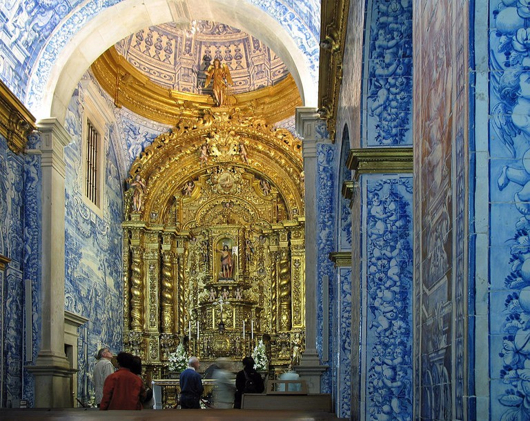 The tilework inside the Church of São Lourenço makes it one of the most beautiful buildings in the Algarve