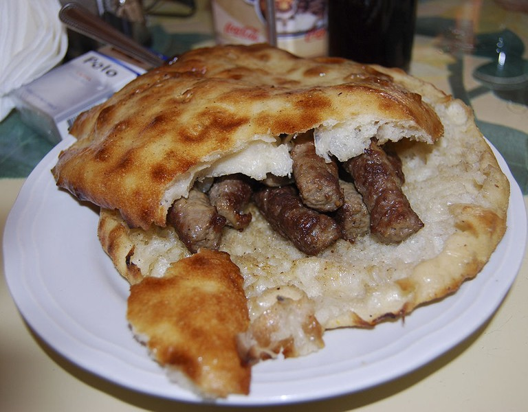 Delicious Bosnian cevapi | © Smooth_O/WikiCommons