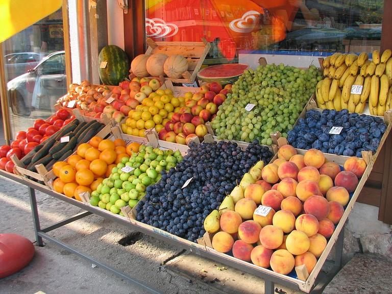 Fruit Stall Sarajevo | © Smooth_O/WikiCommons