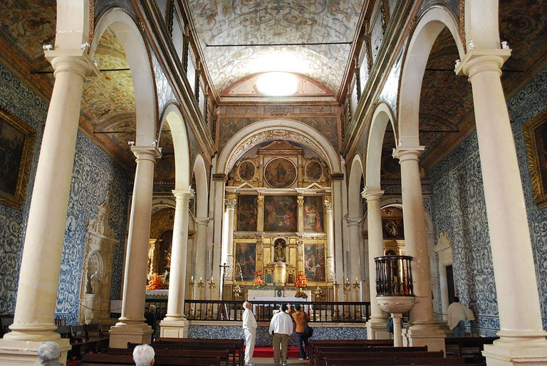 Inside the beautiful Igreja de Santa Maria