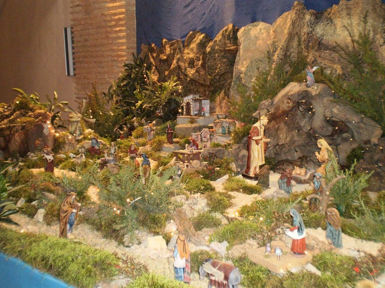 A Belen nativity scene at Christmas | ©Rubén Ojeda / Wikimedia Commons