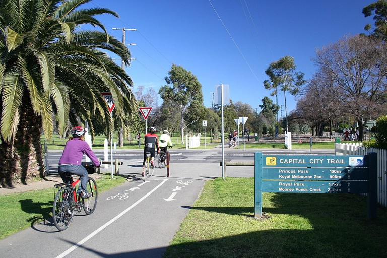 1280px-Capital_city_trail,_melbourne,_australia