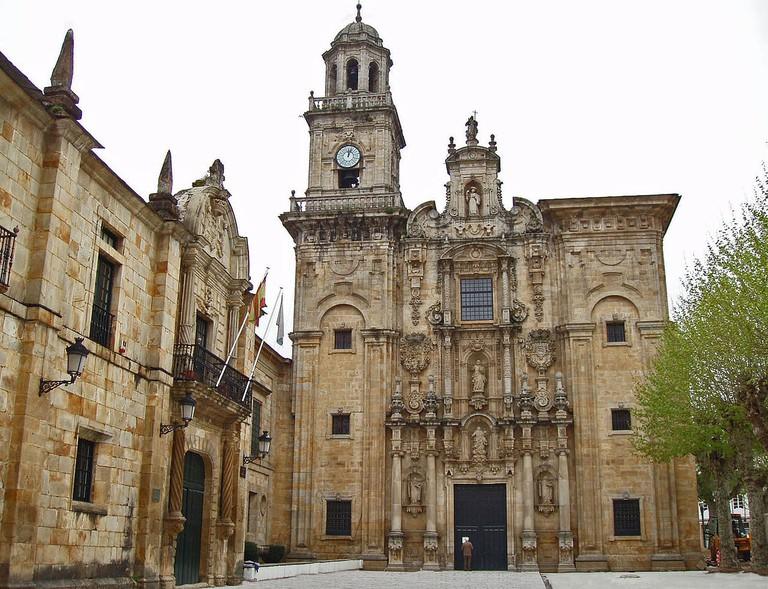 Lorenzana Monasterio y iglesia, Lugo, Galicia | ©Lourdes Cardenal / Wikimedia Commons
