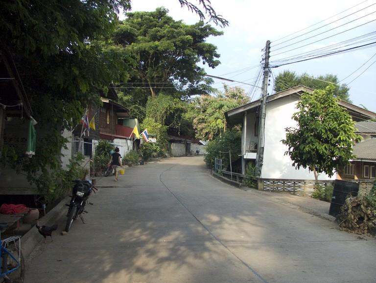 Local street, Phrae