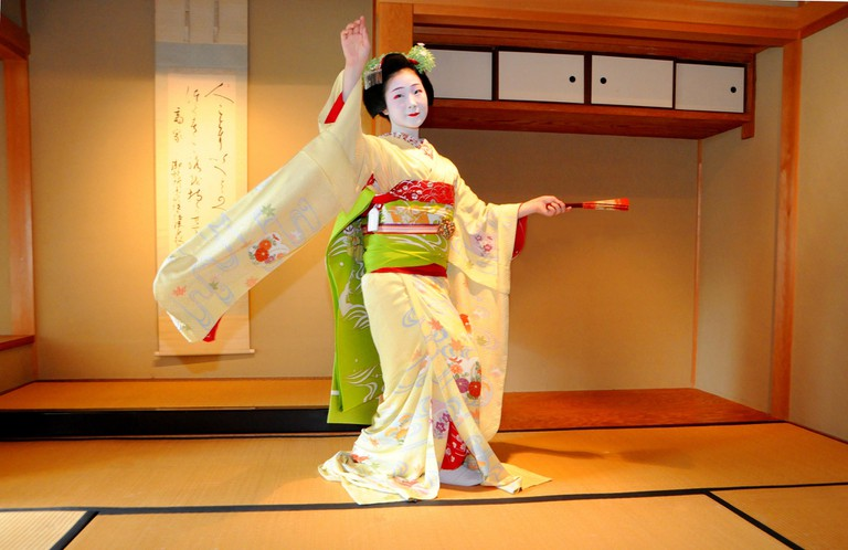 Maiko performs a dance