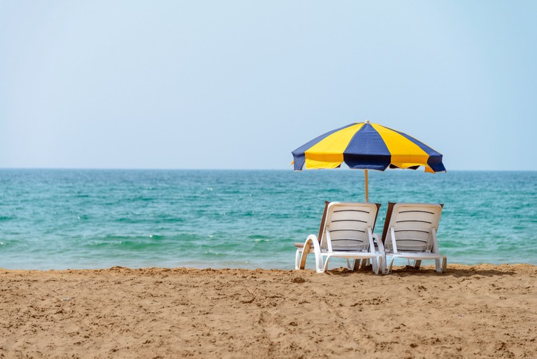 "<a href=""https://www.flickr.com/photos/atonglee/33952968485/"" target=""_blank"">Relaxing spot on Agadir's beach"