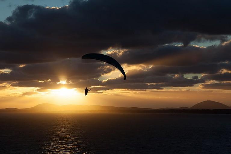 Paraglider in Punta Ballena