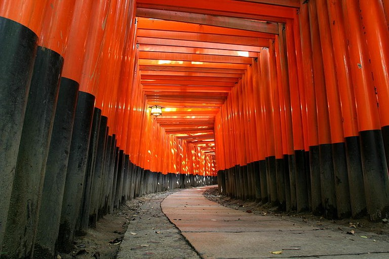 800px-KyotoFushimiInariLarge