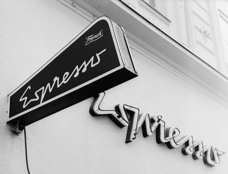 Black and white sign of Cafe Espresso