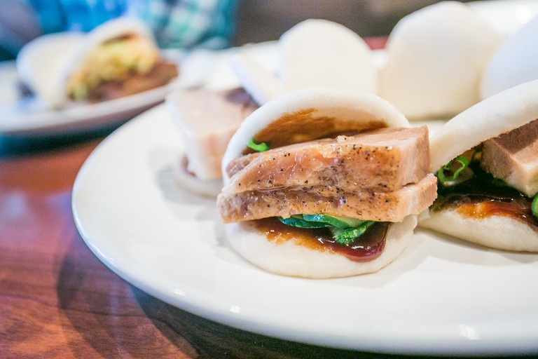 The famous Momofuku pork buns © City Foodsters
