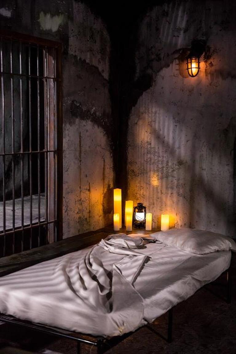 Sleep in a spooky cell