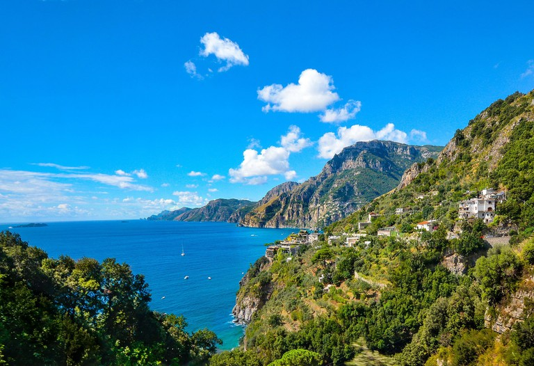 Drive along the Amalfi coast